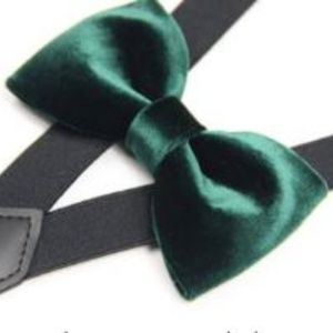 Other - Boutique hunter green suspenders and tie
